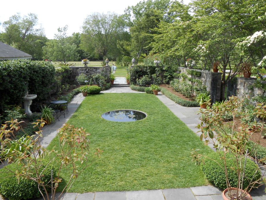 Picture of garden with circular pond